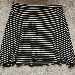 Cute Torrid striped stretchy skirt